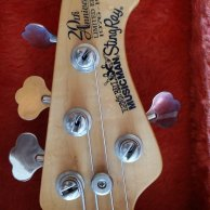 MUSICMAN STINGRAY 20th Aniversario