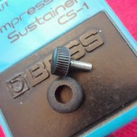 Battery lid knurled thumb screw and rubber grommet set for Boss pedals.