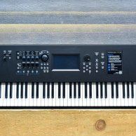 Yamaha MODX8 Synthesizer 88-Note Weighted Keyboard Action Compact Synthesizer