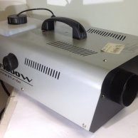MACHINE A FUMEE 1500 W