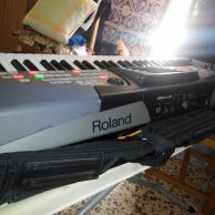 TECLADO WORKSTATION ROLAND E 50